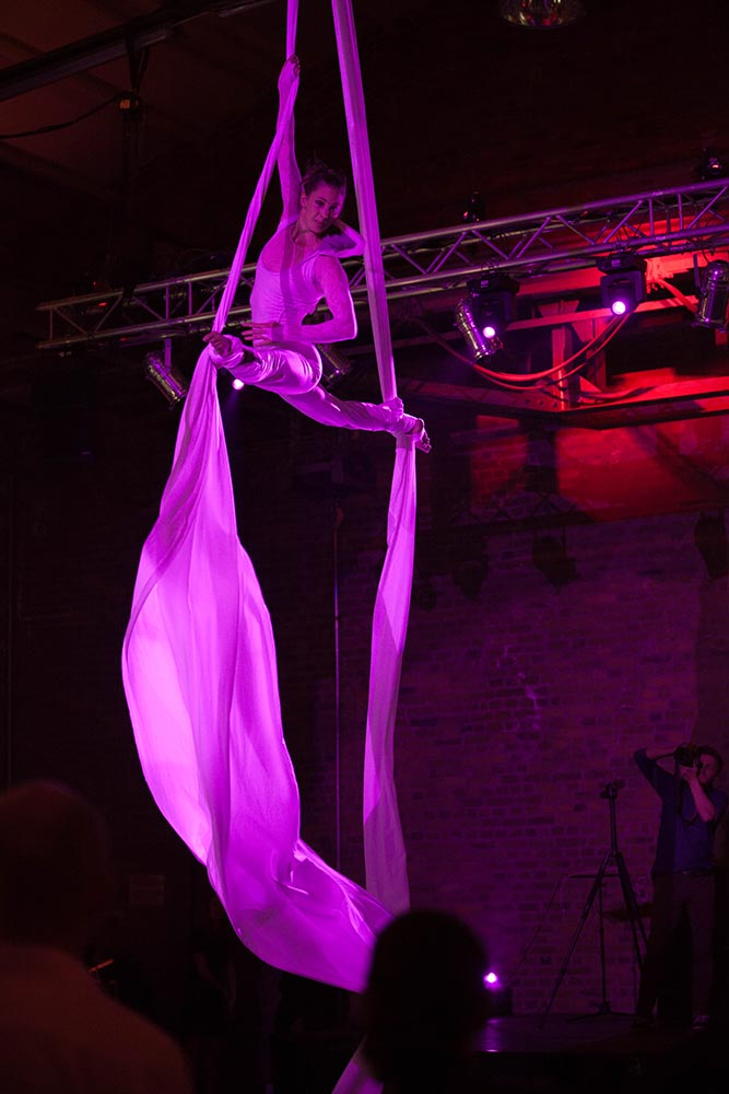 Akrobatik Show – Events im Raum Düsseldorf – Eventlocation Sammlerstücke Moers